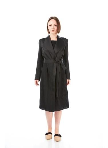Women&Women Saten Uzun Blazer Ceket, Yırtmaçlı, Pilili Siyah